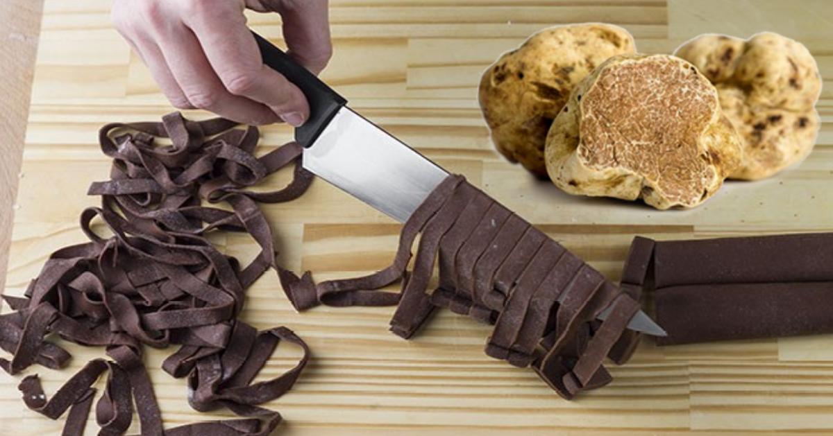 tagliatelle-al-cacao-con-tartufo-bianco