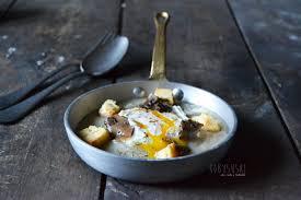 Crema di topinambur, uovo in camicia e tartufo Zigante • robysushi.com
